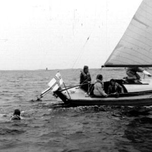 Sjöscouter övar till havs.