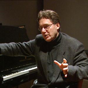 Toni Edelmann ohjelmassa Sonetteja Pariisissa, 1997.