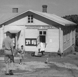 Haapasaaren osuuskauppa vuonna 1964.