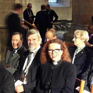Lundin tuomiokirkossa pappeja istumassa reformaation 500-vuotisjuhlien ekumeenisessa palveluksessa.