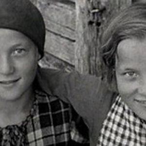 Lapsia maaseudulla vuonna 1936.