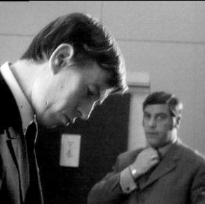Etualalla uutistoimittaja Esko Tommola (1969).