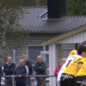IK Myrans damlag formar en ring inför matchen mot KF-10.