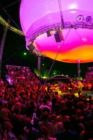 Flow Festivalin Balloon 360° -lava.