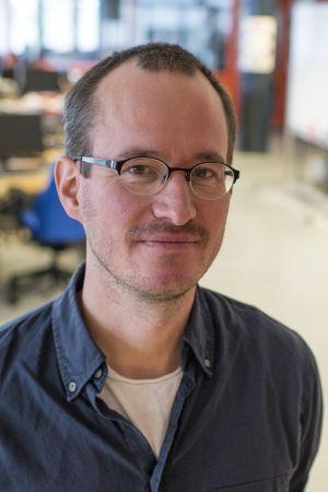 Ohjaaja Juho Kuosmanen.