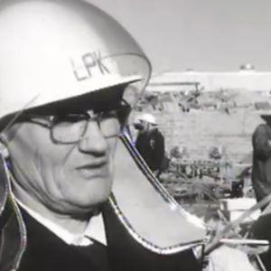 Palokunta saapui nopeasti Lapuan räjähdyspaikalle 1976.