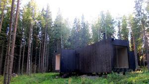 """Sommarstugan """"Neljän tuulen tupa"""", ritad av arkitekt Ville Hara."""