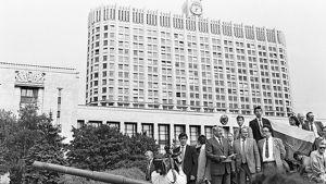 Jeltsin fördömer kuppförsöket 1991