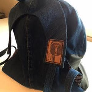Ryggsäck av gamla jeans