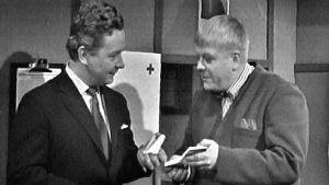 Lasse Pöysti och Nisse Brandt i Walentin Chorells Ariadne, Yle 1965