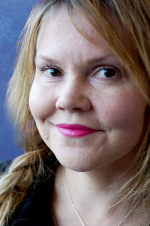 Kirjailija Katja Kettu vuonna 2017.