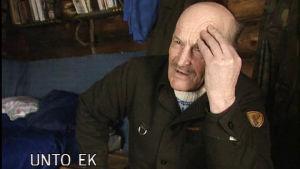 Sallan korpiseuduilla asuva Ek on ollut monen toimen mies.