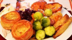 Englantilaisia jouluruokia.