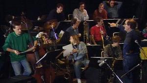 Säveltäjä Henrik Otto Donne ja UMO orkesteriharjoituksissa 1992