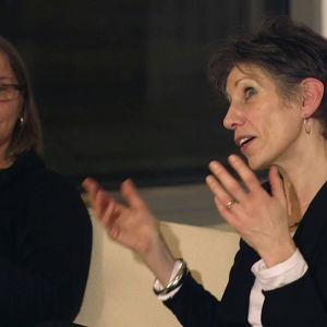 Professori Sara Selwood ja CUPORE:n vanhempi tutkija Sari Karttunen