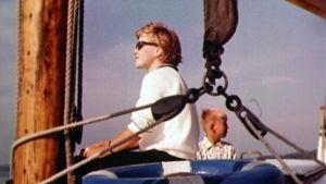 Purjelaivan kannella Saimaalla 1961