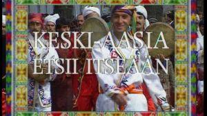 Keskiaasialaisia miehiä perinnepuvuissa, ohjelman nimi