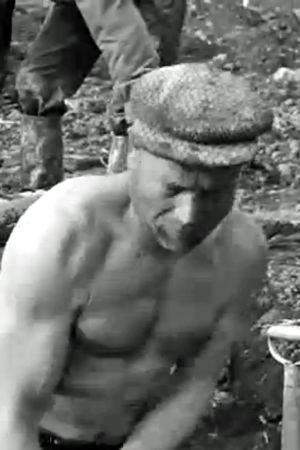 Bildkapning från en film av Aho & Soldan hur Finland återuppbygger efter vinterkriget