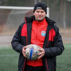 Tero Forss tränar BK-46 i fotboll.