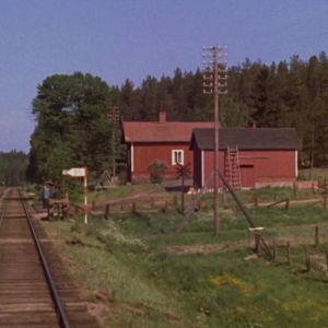 Junarataa kesäisessä Suomessa 1970-luvulla
