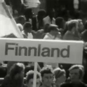 Suomen delegaatiota Itä-Berliinin rauhanfestivaalissa (1973).