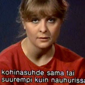 Kirsti Alho esittelee videokameran ominaisuuksia (1984).
