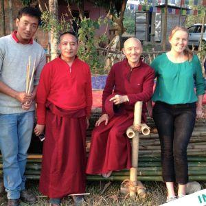Siliguri, tiibetiläistaustainen työporukka