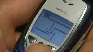 Nokian matkapuhelimen Snake II -peli.