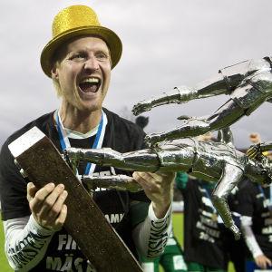 Jani Lyyski med ligabucklan, 23.10.2016.
