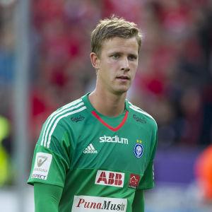 Thomas Dähne hade en mindre lyckad eftermiddag då HJK träningsspelade mot Malmö FF.