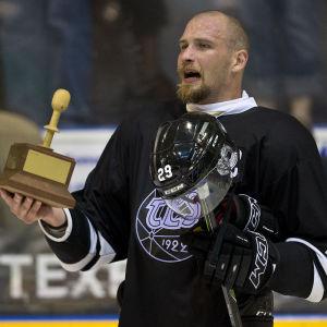 Jonne Virtanen inledde säsongen med att vinna endagsturneringen Pitsiturnaus i Raumo.
