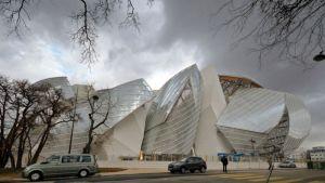 Louis Vuitton säätiön taidemuseo Pariisissa