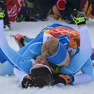 Iivo Niskanen ja Sami Jauhojärvi juhlivat parisprintin voittoa (2014).