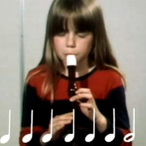 Tyttö soittaa nokkahuilua (1977).