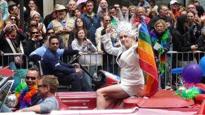 Cyndi Lauper deltar i Gay Pride-festivalen i San Fransisco år 2008.