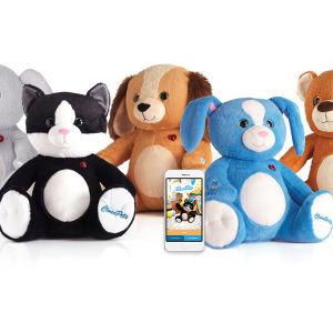Uppkopplade leksaker - sex färggranna gosedjup på rak och en mobiltelefon.