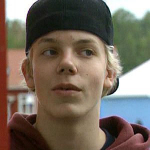 Elastinen, 16-vuotta.
