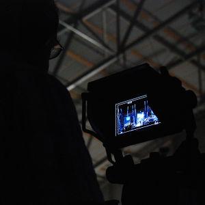 Kameramies kuvaa