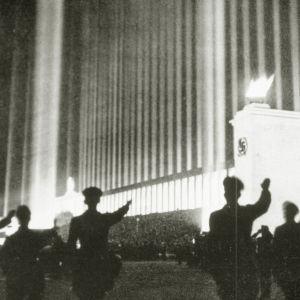 Historia: Suuruudenhullu Führer-kultti, yle tv1