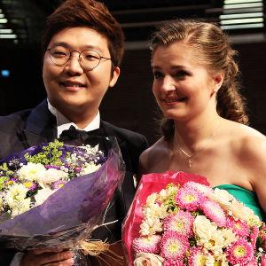 Kansainvälisen Mirjam Helin -laulukilpailun 2014 voittajat ovat korealainen tenori Beomjin Kim ja ukrainalainen sopraano Kateryna Kasper.