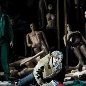 Mika Kares ja Simone Alberghini Permin oopperan Don Giovannissa 2014.