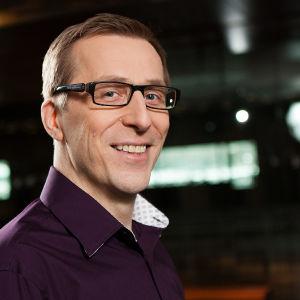 Osmo Tapio Räihälä (kuva Jukka Lintinen/YLE)