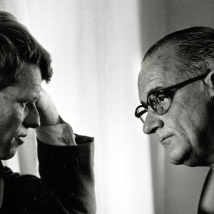 Senaattori Robert Kennedy ja presidentti Lyndon B. Johnson