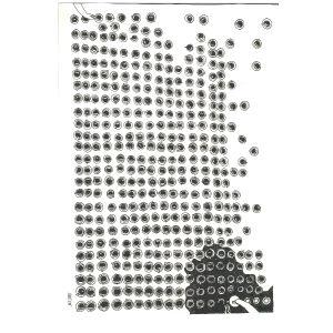 Teckning föreställande flera små runda bollar placerade i rutverk, två händer som pillar på dem.