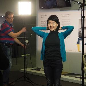 Valmistautuminen tv-haastatteluun, joka tehdään päivää ennen finaalien alkua.