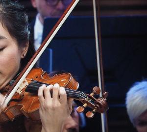 Nancy Zhou pääsi toisen kerran Sibelius-viulukilpailun finaaliin.