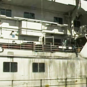 Sally Albatross som bogserats till Nordsjö.