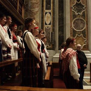 Oulaisten Nuorisokuoro roomalaisessa kirkossa 2016