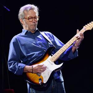 Eric Clapton soittaa Royal Albert Hallissa