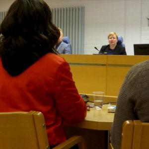 Bild från rättegången i Uleåborg.